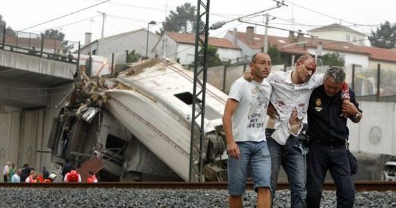 """""""Mój Boże, mój Boże, biedni pasażerowie. Oby nie było zabitych!"""" - mówił przez telefon chwilę po katastrofie maszynista pociągu, który 24 lipca o godz. 20.41 wykoleił się pod Santiago de Compostela, wchodząc w ostry zakręt z prędkością 190 km/godzinę. Zginęło wtedy 79 osób."""