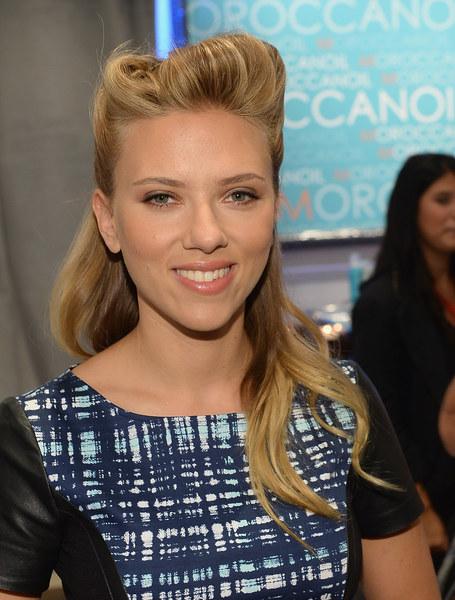 Scarlett Johansson Scarlett Johansson W Stylu Retro