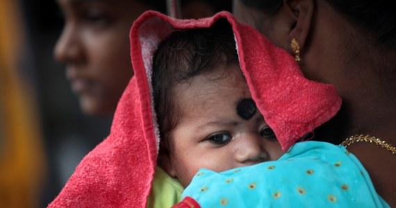 Co pięć sekund na świecie umiera dziecko, które można byłoby uratować najprostszymi metodami, a około miliona noworodków nie dożywa drugiego dnia po porodzie. Tak wynika z opublikowanego w piątek raportu Funduszu Narodów Zjednoczonych Pomocy Dzieciom (UNICEF).
