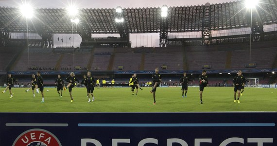 W wieczornych meczach Ligi Mistrzów zobaczymy zespoły z grupy E-H. Ciężkie pojedynki czekają drużyny Polaków, które w komplecie zagrają na wyjazdach. Borussia Dortmund z SSC Napoli, Arsenal Londyn z Olimpuque Marsylia, a Steaua Bukareszt z Schalke Gelsenkirchen. Początek wszystkich spotkań o 20.45.