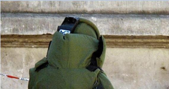 Dwie bomby, które znaleziono rano w pobliżu jednej ze stacji kairskiego metra, okazały się fałszywe - powiadomił przedstawiciel MSW Egiptu. Z powodu informacji o rzekomych ładunkach wybuchowych władze Kairu wstrzymały ruch na kilku liniach metra.