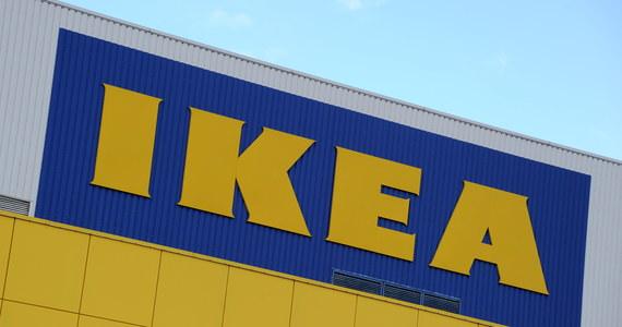"""Trzej synowie założyciela koncernu IKEA, obecnie 87-letniego Ingvara Kamprada, przejęli majątek ojca, wynajmując znanych amerykańskich prawników. Takie rewelacje pojawiły się w książce """"IKEA w drodze do przyszłości"""", która we wrześniu zostanie wydana w Szwecji."""