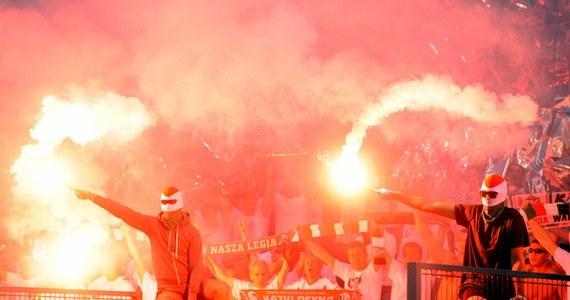 16 polskich kibiców zostało zatrzymanych w Rzymie przed czwartkowym meczem piłkarskiej Ligi Europejskiej Lazio - Legia. Taki jest według włoskich mediów najnowszy bilans niepokojów w Wiecznym Mieście, wywołanych przez kibiców warszawskiego klubu.