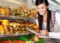 Lista zakupów - oszczędza czas i... kalorie
