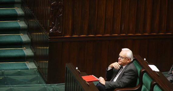Sejmowa komisja infrastruktury ponownie zajmie się projektem nowelizacji ws. przekazywania wpływów z mandatów nakładanych na podstawie zdjęć z fotoradarów. Podczas debaty w Sejmie do dokumentu politycy  zgłosili sporo poprawek.