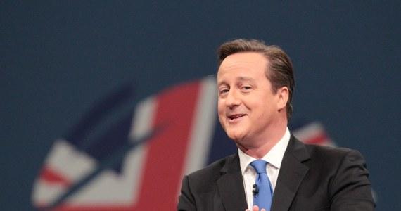 Na zdjęciach najlepiej wychodzi się z rodziną. Przekonał się o tym brytyjski premier David Cameron, który zorganizował zbiorowy (nieudany) portret posłów partii Konserwatystów.
