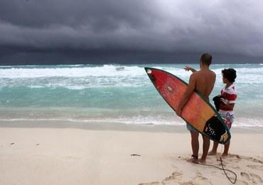 Tropikalny sztorm Karen coraz słabszy