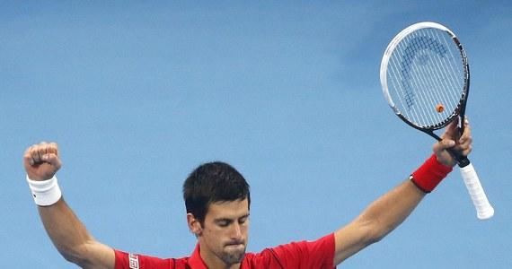 Najwyżej rozstawiony Serb Novak Djokovic pokonał Hiszpana Rafaela Nadala (nr 2.) 6:3, 6:4 w finale turnieju ATP Tour na twardych kortach w Pekinie (pula nagród 3,57 mln dol.). Mimo to serbski tenisista odda w poniedziałek rywalowi prowadzenie w rankingu.