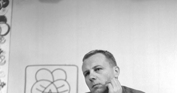 """Dziennikarz Maciej Zimiński, twórca popularnych programów telewizyjnych dla młodych widzów, m.in. """"Piątku z Pankracym"""" i """"Niewidzialnej ręki"""", zmarł w wieku 83 lat - podała TVN24."""
