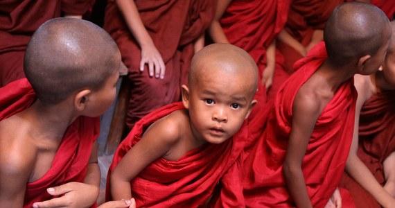 Piętnastoletni Belg nie będzie mógł na razie wyjechać do Indii i zostać buddyjskim mnichem – orzekł belgijski apelacyjny. Chłopak spędzi najbliższy miesiąc pod obserwacją psychologów.