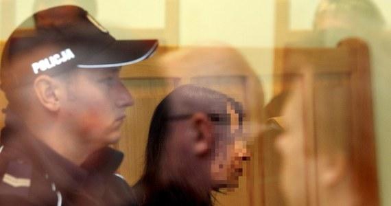 Beata Ch., współoskarżona w sprawie śmierci prawie dwuletniego syna Szymona, podtrzymała przed sądem swe stanowisko, że dziecko było bite przez ojca Jarosława R. Sama przyznała jedynie, że karciła dziecko za ssanie palca.