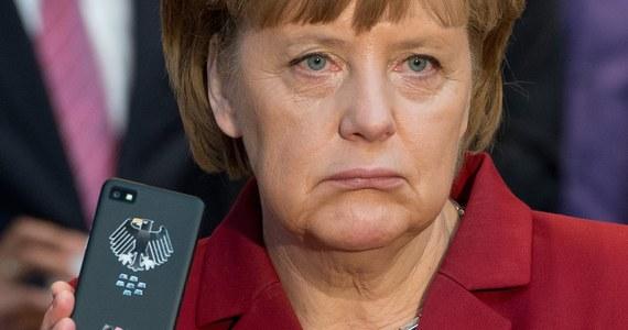 """Kanclerz Niemiec Angela Merkel mogła być przez lata obiektem inwigilacji ze strony amerykańskich służb wywiadowczych - podał niemiecki tygodnik """"Der Spiegel"""". W rozmowie z prezydentem USA Barackiem Obamą Merkel wezwała do wyjaśnienia zarzutów."""