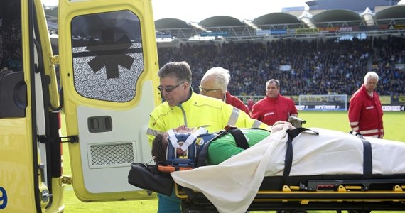 Bramkarz PSV Eindhoven Przemysław Tytoń, który we wczoraj meczu holenderskiej ekstraklasy z Rodą Kerkrade (1:2) doznał groźnie wyglądającej kontuzji, ma niewielki wstrząs mózgu i stłuczone biodro - poinformowano wieczorem na stronie jego klubu. Do zdarzenia doszło w doliczonym czasie gry, gdy ekipa gospodarzy wykonywała rzut wolny.