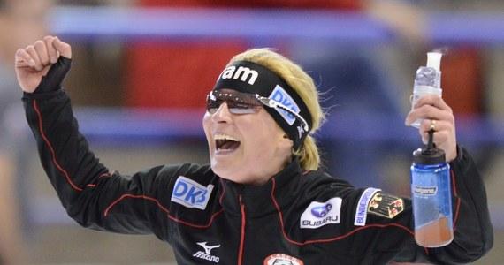 Niemiecka panczenistka Claudia Pechstein w przeddzień zawodów Pucharu Świata w Calgary przeszła 500. kontrolę antydopingową - poinformowali jej doradcy.
