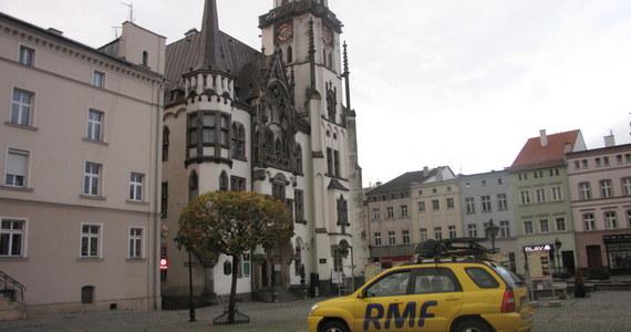 Z tego miasteczka na Dolnym Śląsku bliżej jest do Berlina, Wiednia czy Pragi niż do Warszawy. Jest tu prawie jak w Pizie, zewsząd unosi się duch Frankensteina i wciąż czynny jest jeden z najstarszych mostów w regionie - przedstawiamy Ząbkowice Śląskie.