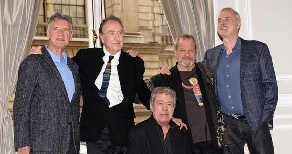 Kilka dni po ogłoszeniu, że członkowie Monty Pythona znów razem wystąpią na scenie, już ustalono cztery nowe terminy przedstawień. Powodem decyzji jest fakt, że bilety na ich pierwszy po 30 latach występ sprzedano... w 44 sekundy!