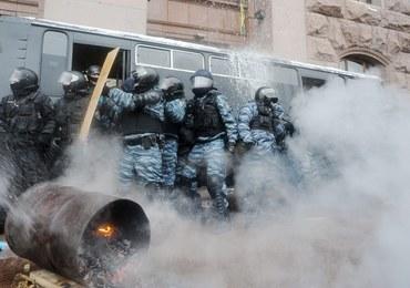 Ukraina: Milicja wycofuje się z miejsc zajmowanych przez demonstrantów