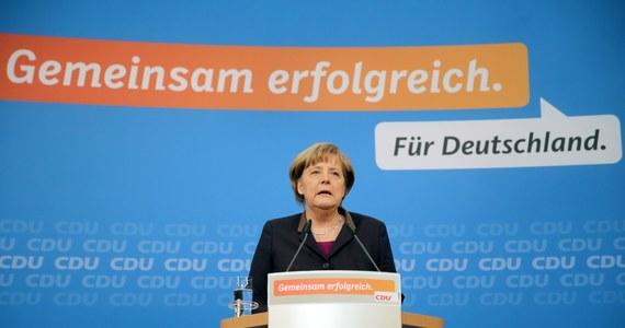 CDU i CSU przedstawiły swoich ministrów, którzy obejmą stanowiska w koalicyjnym rządzie z Angelą Merkel jako kanclerzem. Niespodzianką jest nominacja Ursuli von der Leyen na ministra obrony; będzie ona pierwszą kobietą na tym stanowisku w historii Republiki Federalnej Niemiec.