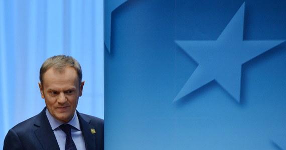 """""""Kandydat Europejskiej Partii Ludowej na szefa Komisji Europejskiej w kadencji 2014-2019 ma zostać wybrany na szczycie w Dublinie na początku marca"""" - powiedział w Brukseli Donald Tusk. Premier kolejny raz wykluczył też możliwość ubiegania się o tę funkcję."""