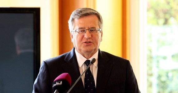 Prezydent Bronisław Komorowski po raz kolejny znalazł się na czele rankingu zaufania do polityków - wynika z sondażu CBOS. Ufa mu 69 proc. badanych. Zaraz za nim są szef MSZ Radosław Sikorski i szef SLD Leszek Miller.
