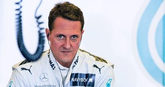 Stan Michaela Schumachera jest nadal krytyczny - oświadczyli lekarze szpitala we francuskim Grenoble. Podczas konferencji prasowej powiedzieli: nie jesteśmy w stanie nic powiedzieć o jego przyszłości. Siedmiokrotny mistrz Formuły 1 trafił do szpitala w Grenoble wczoraj. Podczas jazdy na nartach przewrócił się i uderzył prawą stroną głowy o kamień.