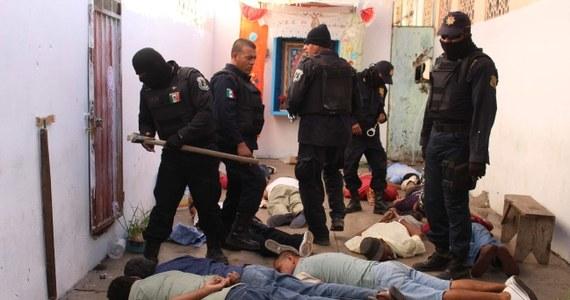 Ponad 20 osób zginęło w zamieszkach, do których doszło w dwóch meksykańskich więzieniach. Krwawe walki są tam na porządku dziennym, często dochodzi też do starć pomiędzy członkami rywalizujących ze sobą gangów narkotykowych.