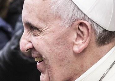 Papież Franciszek: Związki homoseksualne stanowią nowe wyzwania