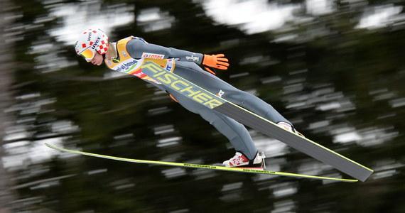 Kamil Stoch zajął trzecie miejsce w konkursie Turnieju Czterech Skoczni w austriackim Innsbrucku! Zwyciężył Fin Anssi Koivuranta, drugi był Szwajcar Simon Ammann. Z powodu silnego wiatru nie udało się dokończyć drugiej serii skoków.
