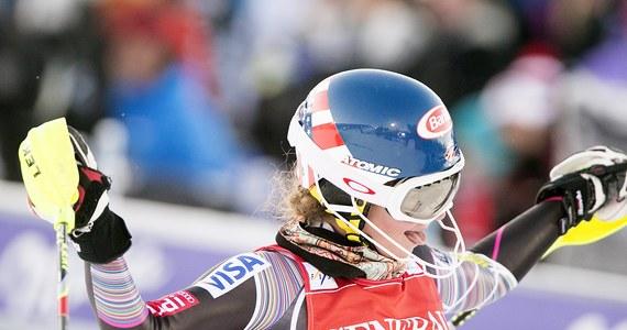 Mikaela Shiffrin wygrała zaliczany do alpejskiego Pucharu Świata slalom we włoskiej stacji Bormio. 18-letnia Amerykanka o 0,13 s wyprzedziła Szwedkę Marię Pietilae-Holmner, a o 0,62 s Francuzkę Nastasię Noens.