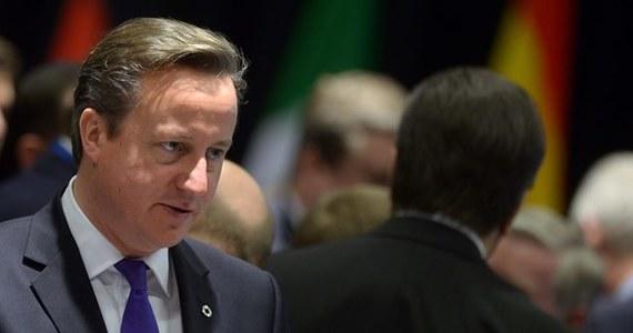 W niedzielnym wywiadzie dla BBC brytyjski premier David Cameron opowiedział się za pozbawieniem pracujących w Wielkiej Brytanii imigrantów z krajów UE dodatku rodzinnego na dzieci, jeśli dzieci te przebywają w swych krajach ojczystych.