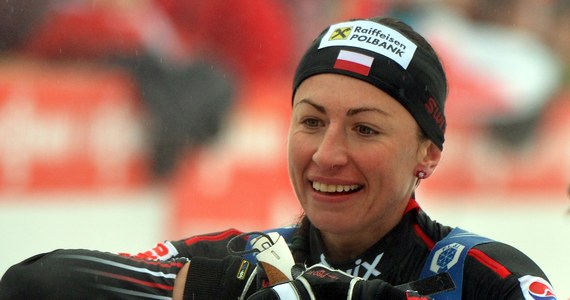 W klasyfikacji Pucharu Świata Justyna Kowalczyk zajmuje 8. miejsce. Do liderki Therese Johaug traci 558 punktów. W sobotnim sprincie techniką dowolną w Novym Mescie Polka będzie mogła zmniejszyć stratę, bo na starcie zabraknie czołowych narciarek z Norwegii.