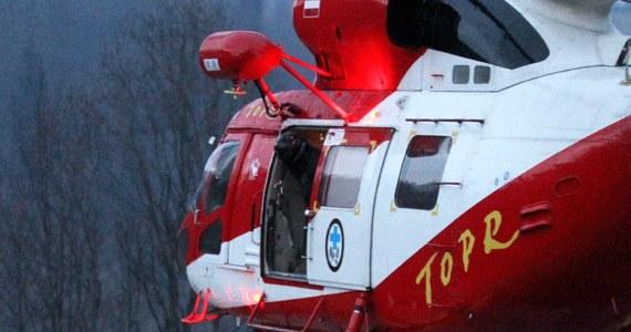 Także w nocy będą prowadzone poszukiwania 17-letniego Andrzeja, który wczoraj zaginął w górach. Kilkudziesięciu ratowników przeczesuje rejony Tatr Wysokich i Zachodnich. Akcję utrudnia pogoda - mówi Jan Gąsienica-Roj z Tatrzańskiego Ochotniczego Pogotowia Ratunkowego.