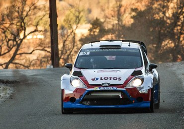 Rajd Monte Carlo: Robert Kubica prowadzi, wyprzedza Ogiera