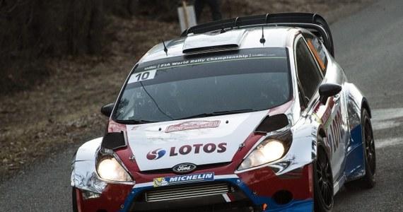 Robert Kubica (Ford Fiesta WRC) z pilotem Maciejem Szczepaniakiem zajmują 3. miejsce po pierwszym dniu w 82. Rajdzie Monte Carlo, pierwszej rundzie mistrzostw świata 2014. Liderem jest trzykrotny rajdowy mistrz Polski Francuz Bryan Bouffier (Ford Fiesta WRC).