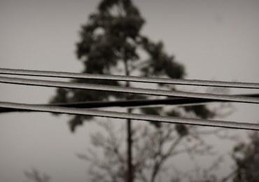 Tysiące domów bez prądu. Usuwanie awarii potrwa co najmniej do środy