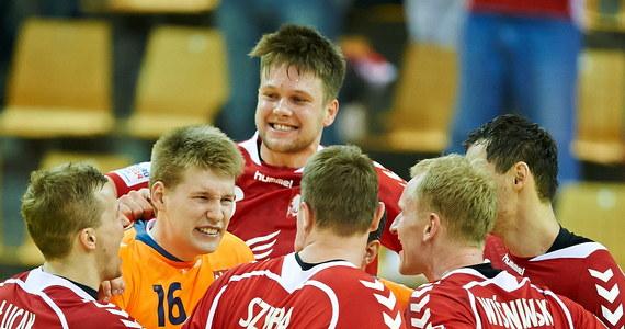 Polscy piłkarze ręczni o krok od awansu do półfinału mistrzostw Europy! Po fantastycznej wygranej ze Szwedami zmierzą się dziś z Chorwacją. Zwycięstwo zapewni im awans. Co ciekawe, na boisku może się pojawić w obu zespołach aż 11 zawodników Vive Targi Kielce.