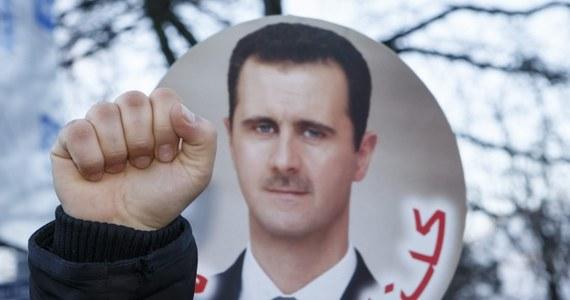 Ambasador Syrii przy ONZ Baszar Dżafari potwierdził, że w więzieniach w  jego kraju stosowane są tortury. Dyplomata podkreślił jednocześnie, że skala tego rodzaju praktyk nie jest duża.