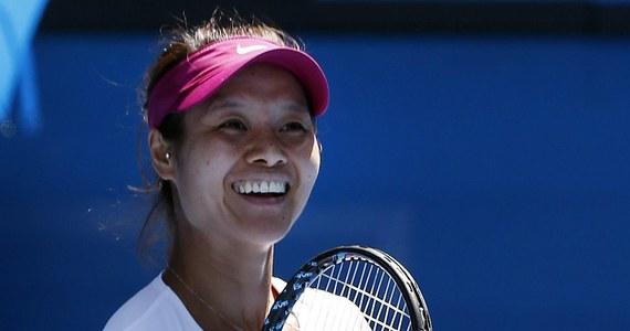 """Rozstawiona z numerem czwartym Chinka Na Li awansowała do finału wielkoszlemowego Australian Open. By pokonać grającą z """"30"""" Eugenie Bouchard i zapewnić sobie trzeci w karierze występ w finale imprezy na twardych kortach w Melbourne, potrzebowała godziny i 28 minut. Z młodszą o 12 lat Kanadyjką wygrała pewnie 6:2, 6:4."""