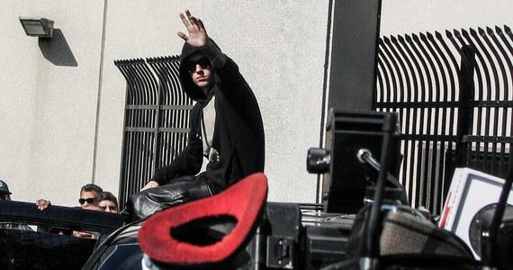 Upadek młodego gwiazdora - tak komentuje amerykańska prasa wczorajsze zatrzymanie Justina Biebera. Gwiazdor po wpłaceniu kaucji w wysokości 2,5 tysiąca dolarów leczy kaca - nie tylko moralnego - w jednym z hoteli w Miami.