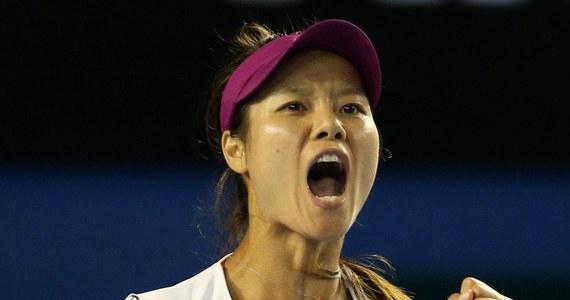 Chinka Na Li po raz pierwszy w karierze wygrała wielkoszlemowy turniej Australian Open rozgrywany na twardych kortach w Melbourne. Rozstawiona z numerem czwartym tenisistka w finale pokonała Słowaczkę Dominikę Cibulkovą 7:6 (7-3), 6:0.