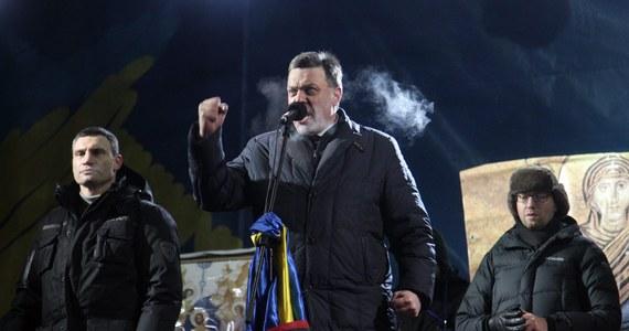 Przedstawiciele partii Udar i Batkiwszczyna prosili, by polscy politycy przyjeżdżali na Ukrainę, bo to wzmacnia ich pozycję w rozmowach z władzą - powiedział poseł Ryszard Czarnecki (PiS). Polityk przebywa w Kijowie razem z wiceszefem PiS Adamem Lipińskim i rzecznikiem partii Adamem Hofmanem.