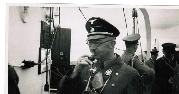 """Dziennik """"Die Welt"""" rozpoczął publikacje odnalezionych w Izraelu listów do rodziny, notatek i zdjęć z prywatnego archiwum jednego z największych zbrodniarzy III Rzeszy - Heinricha Himmlera. Nie ma w nich mowy o Holokauście i innych zbrodniach."""