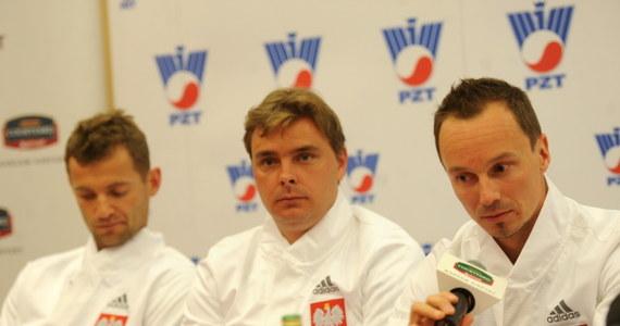 """Polscy tenisiści jeszcze niedawno zmagali się z rekordowymi upałami w Melbourne, a teraz przygotowują się do meczu Pucharu Davisa w Moskwie, gdzie temperatura wynosi nawet -20 stopni Celsjusza. """"Taka zmiana nie jest dla nas problemem"""" - zapewnił Mariusz Fyrstenberg."""