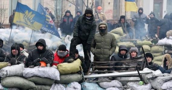 """Delegacja Parlamentu Europejskiego z udziałem polskich europosłów spotkała się we wtorek z przywódcami ukraińskich partii opozycyjnych: Arsenijem Jaceniukiem i Witalijem Kliczką. """"Przedstawiono nam sytuację, w jakiej dziś znalazł się Majdan i sprawy między Majdanem, opozycją a władzą. Sytuacja jest dosyć zawieszona, oferty rządowe są uznawane za niewystarczające"""" - relacjonował po rozmowach Jacek Saryusz-Wolski."""