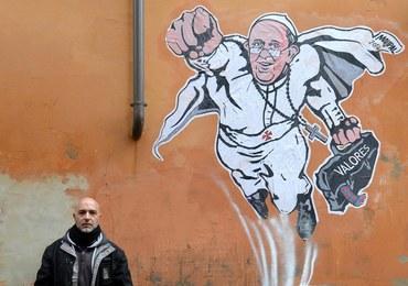 Usunięto mural z papieżem Franciszkiem jako Supermanem