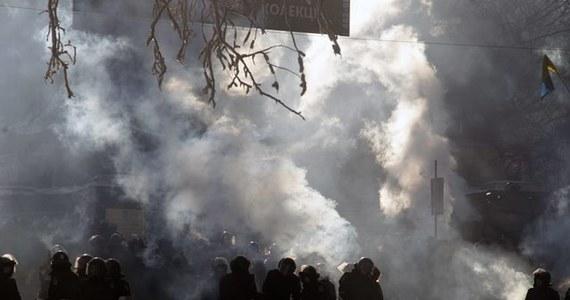 Na Ukrainie trwa polowanie na dziennikarzy, milicjanci stosują wobec nich przemoc i niszczą ich sprzęt - twierdzi Siergiej Tomiljenko z Narodowego Stowarzyszenia Dziennikarzy Ukrainy. Według niego do tej pory podczas demonstracji ucierpiało 150 dziennikarzy.
