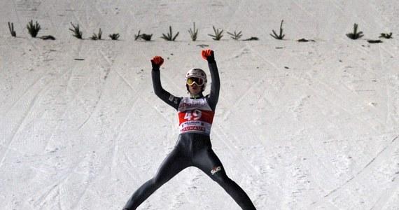 Kamil Stoch po wygranych konkursach w niemieckim Willingen awansował na drugą pozycję na liście najlepiej zarabiających w Pucharze Świata w skokach narciarskich. Lider klasyfikacji generalnej zarobił już 92 100 franków szwajcarskich (318 666 zł). Pierwszy jest Słoweniec Peter Prevc. Przed konkursami w Niemczech Stoch zajmował na liście zarobków trzecie miejsce.