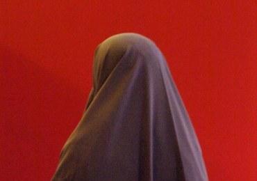 Nie uratowano jej, bo nie miała hidżabu