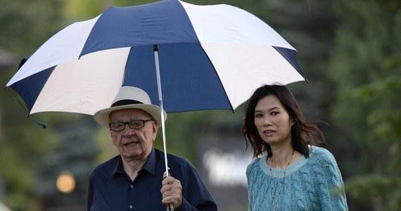 """Świat ledwie co ochłonął po rewelacjach dotyczących romansu prezydenta Francji, gdy amerykański magazyn """"Vanity Fair"""" opublikował kolejny tekst z tej kategorii. Według prestiżowego miesięcznika prawdopodobnym powodem rozwodu jednego z najbogatszych ludzi w Ameryce, potentata medialnego 82-letniego Ruperta Murdocha, był romans jego żony."""