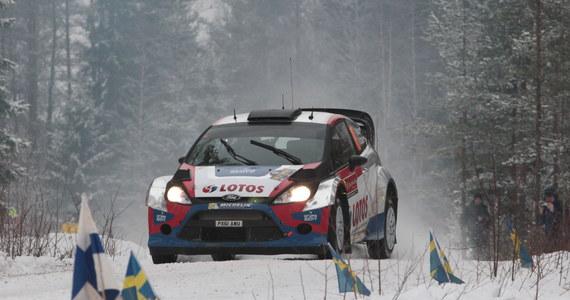 Robert Kubica (Ford Fiesta WRC) jest 11. po dwóch porannych odcinkach specjalnych Rajdu Szwecji, drugiej rundy mistrzostw świata. Polak miał problemy z ustawieniem samochodu. Jak przyznał, popełnił błąd w ocenie warunków drogowych.
